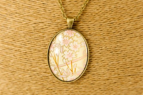 oval-bronze-pink-blossom-pendant