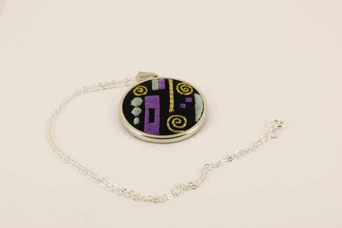 klimt-gold pattern pendant