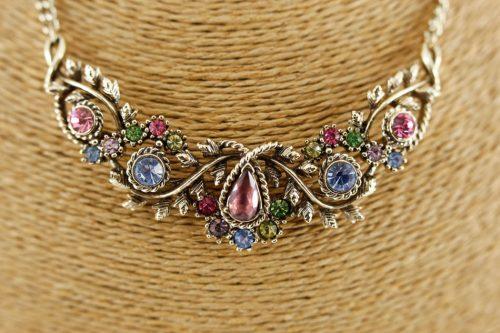 pastel-rhinestone-necklace