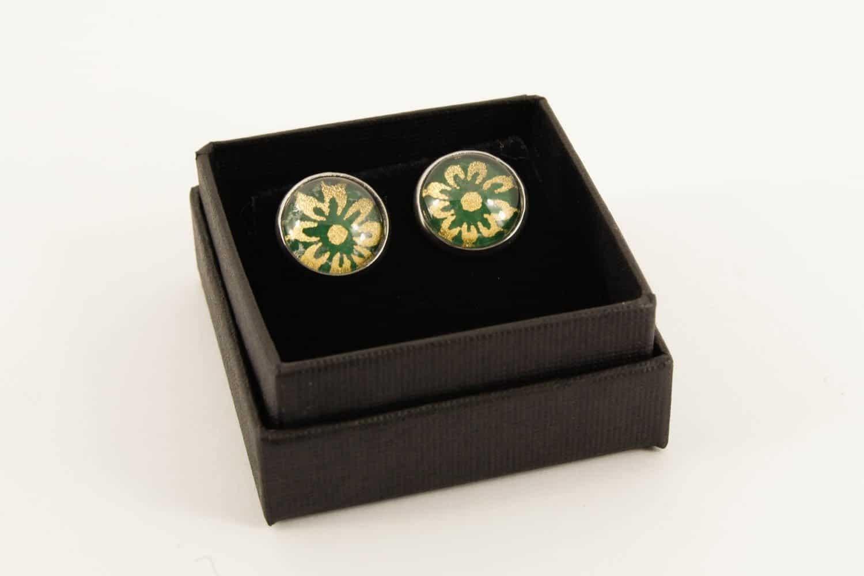 silver-morris-green-flower-earrings