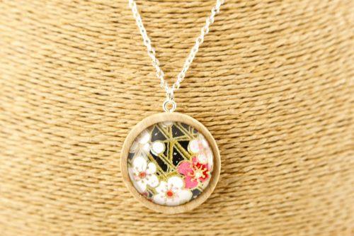 black-blossom-pendant