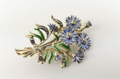 exquisite-brooch