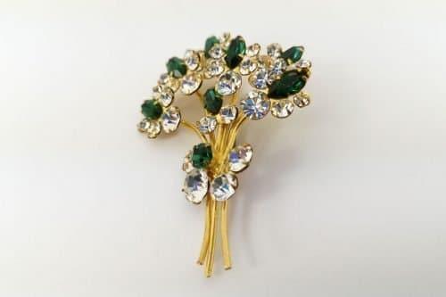 green-diamante-brooch