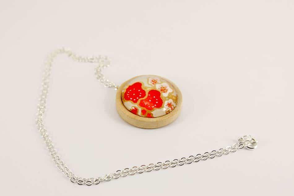 red-blossom-pendant