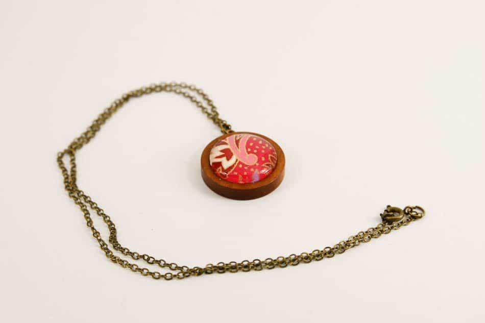 pink-swirl-pendant