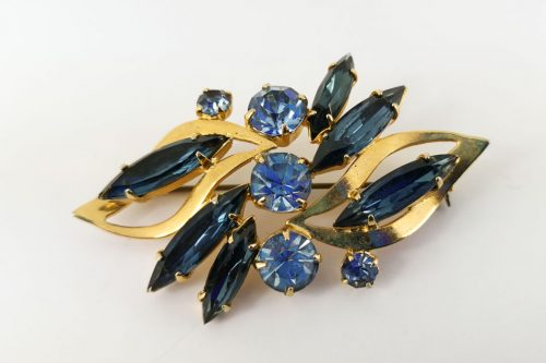 blue-marquise-brooch