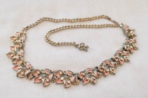 exsquisite-pink-enamel-necklace