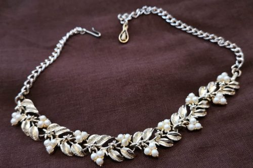 jewelcraft-pearl-berries-necklace