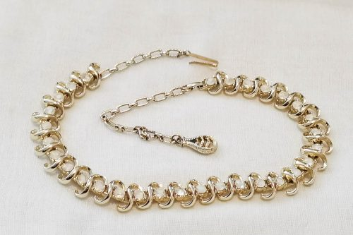jewelcraft-white-rhinestone-necklace