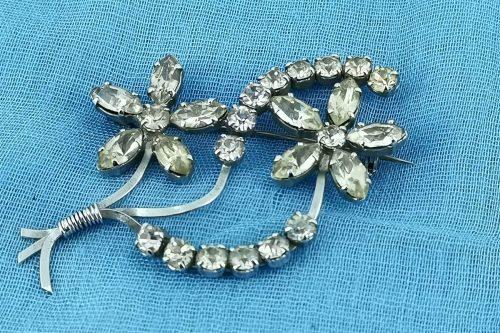 two-flower-rhinestone-brooch