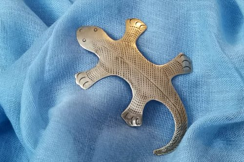 flat-lizard-brooch