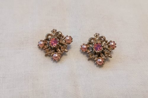 pink-pearl-earrings