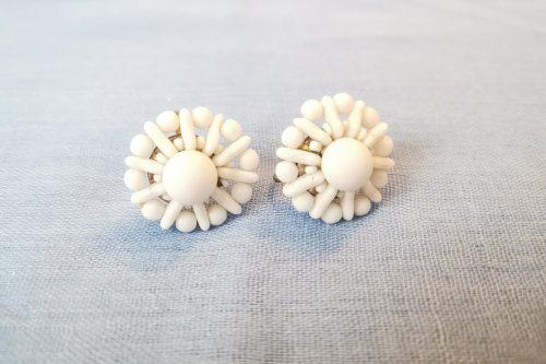milkglass-flower-earrings