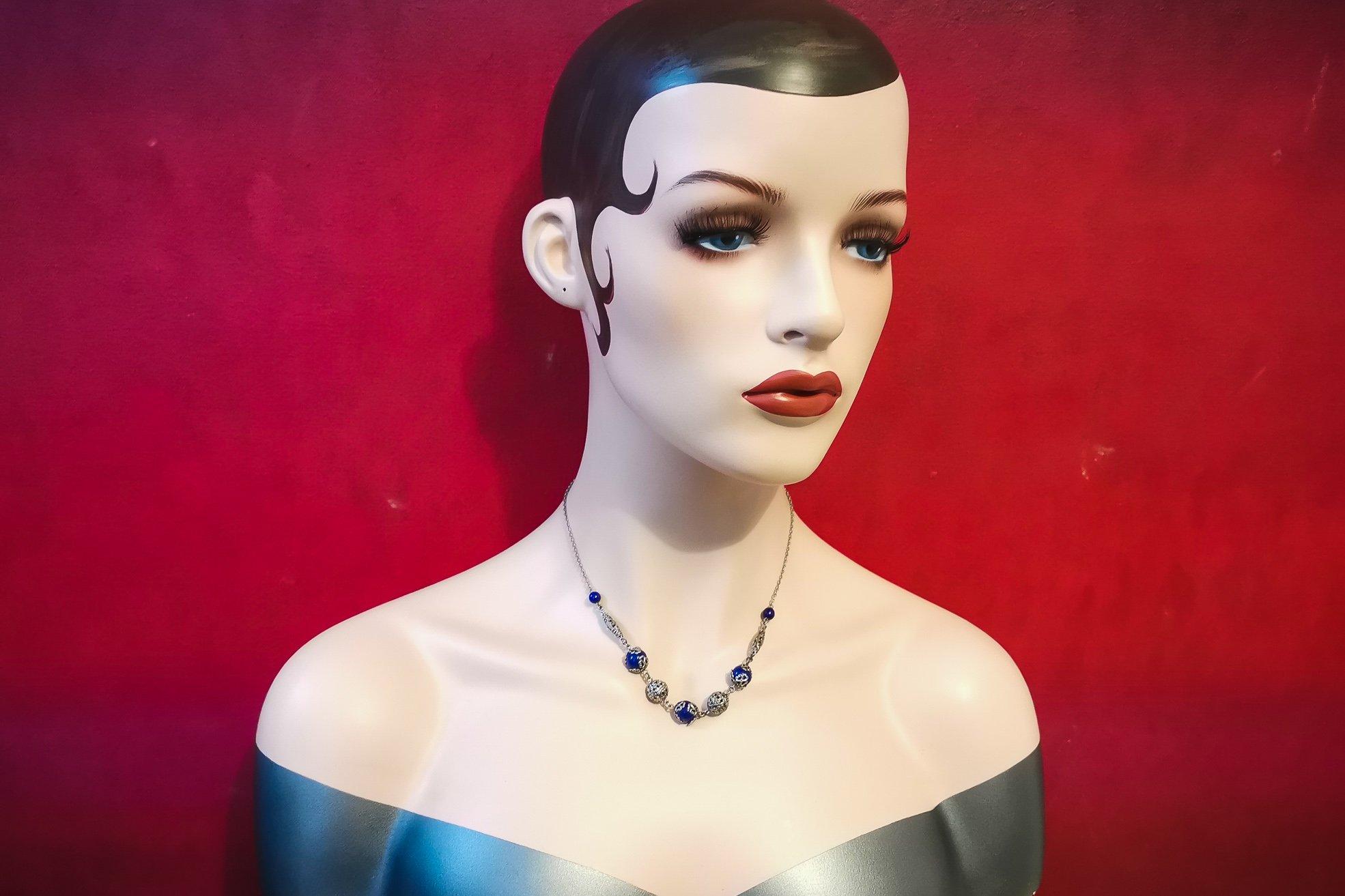 neiger necklace