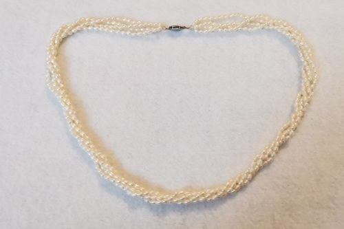 twisted-rice-pearl-necklace