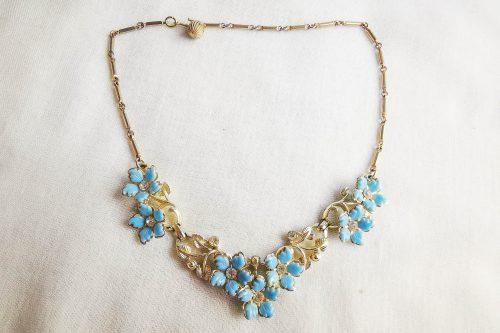 coro blue necklace