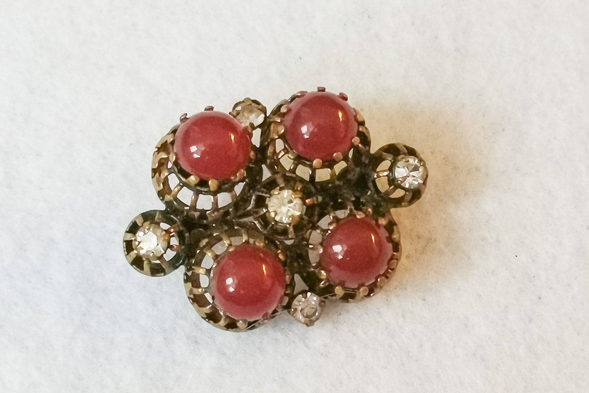 carnelian glass brooch
