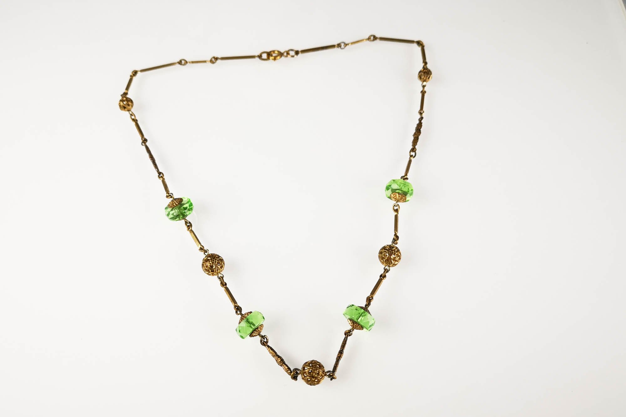 1930s emerald glass necklace