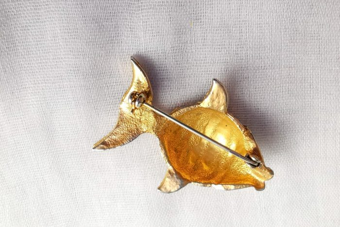 enamel fish brooch