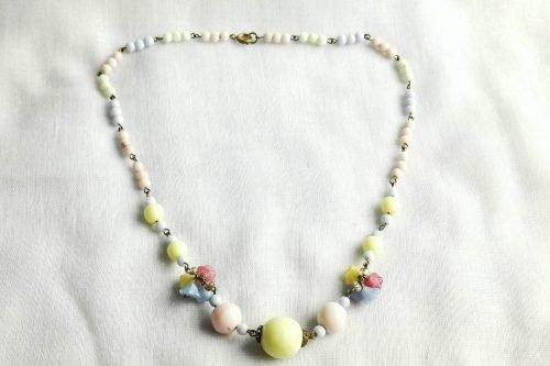 Czech flower uranium glass necklace